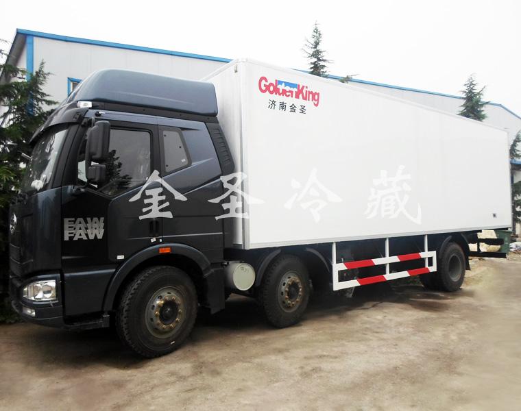 解放J6 8.6米保温车