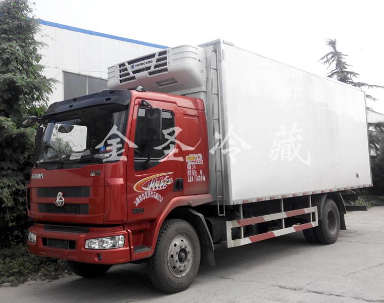 柳汽乘龙6.8米冷藏车