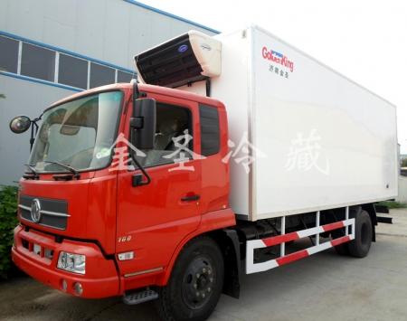 东风天锦6.8米冷藏车